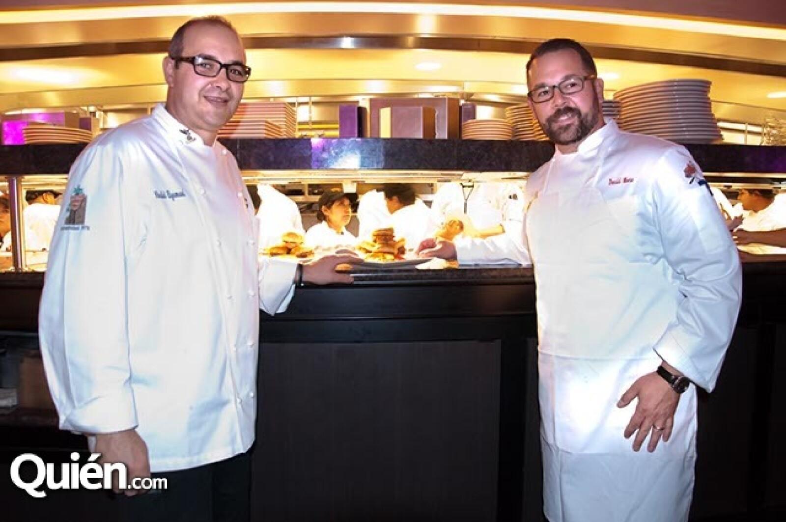 Khalid Elymani y Donald C. Moore