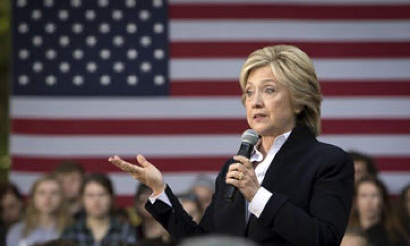 Clinton propone, entre otras medidas, incrementar la rendición de cuentas castigando las conductas criminales (Foto: Reuters/Archivo)