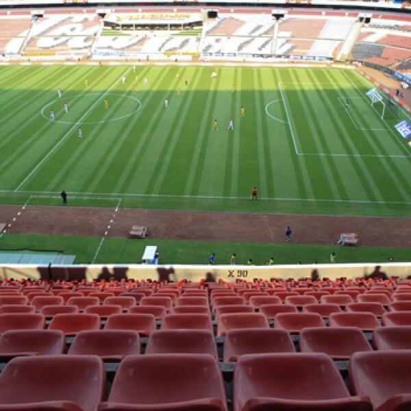 Tres partidos de futbol se llevaron a cabo a puerta cerrada