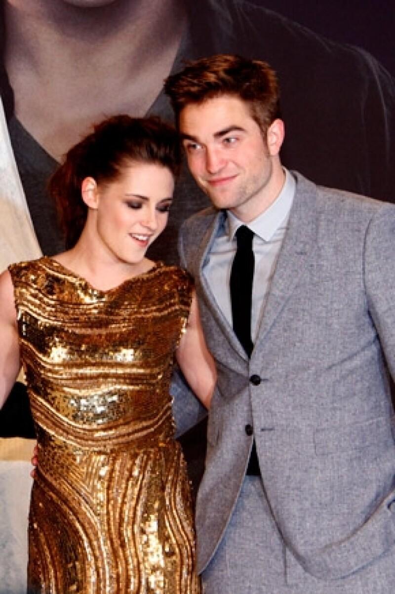 Según amigos del actor, Pattinson desea retomar su romance con Kristen.