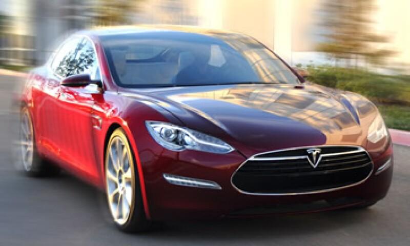 Tesla dijo que agotó su producción para un año con más de 7,000 pedidos. (Foto: Cortesía CNNMoney)