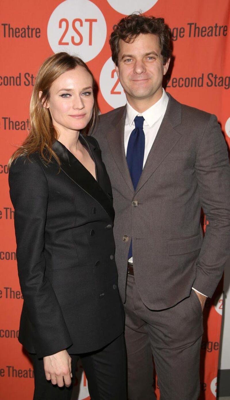 Después de 10 años de relación, Diane y Joshua se separan. Esta fue la última vez que fueron captados juntos, en la obra protagonizada por Josh.