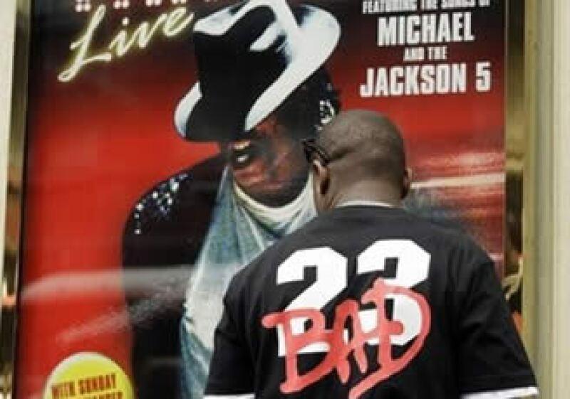 Michael Jackson tenía programado ofrecer 50 conciertos en Gran Bretaña a partir del 13 de julio. (Foto: AP)