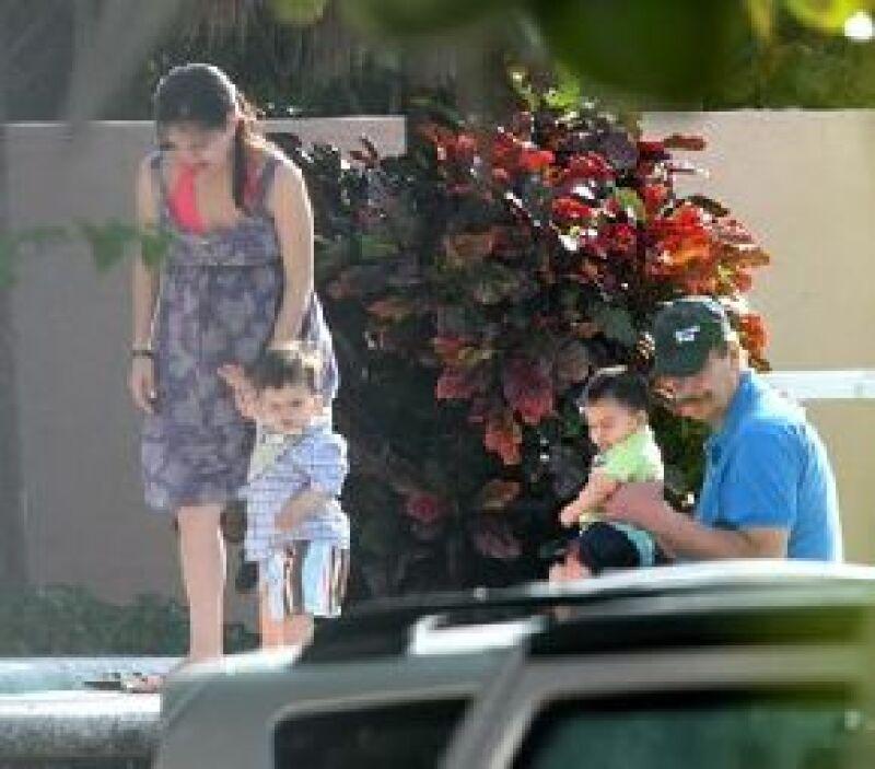 El ex presidente de México pasó unos días en Cancún, en la casa de su hija mayor Ana Cristina, ahí convivió con Vicentillo, de cinco años, y Diego, de año y medio.