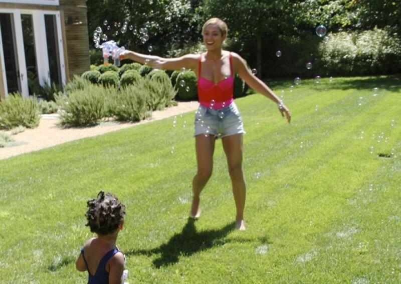Cada vez más Beyoncé se involucra con su hija, cosa que la hace muy feliz.