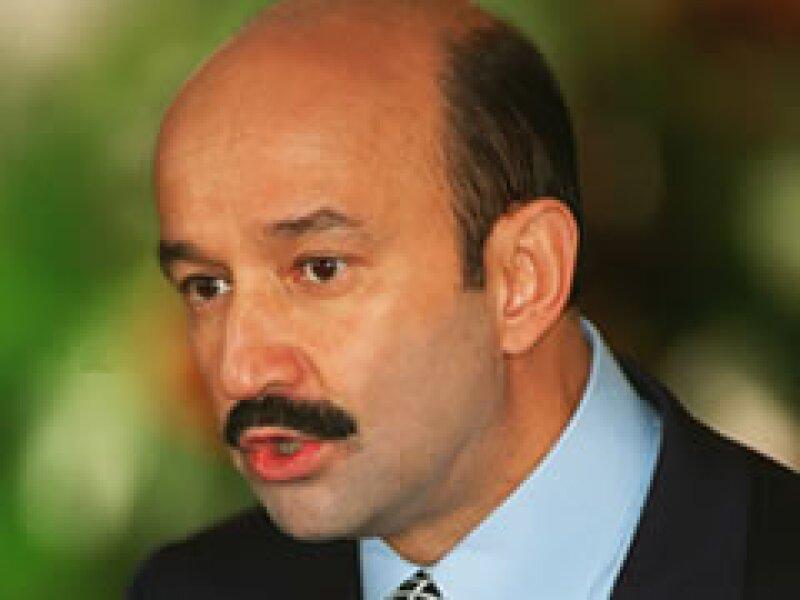 Carlos Salinas de Gortari defendió la inocencia de sus hermanos Raúl y Enrique de las acusaciones de corrupción. (Foto: AP)
