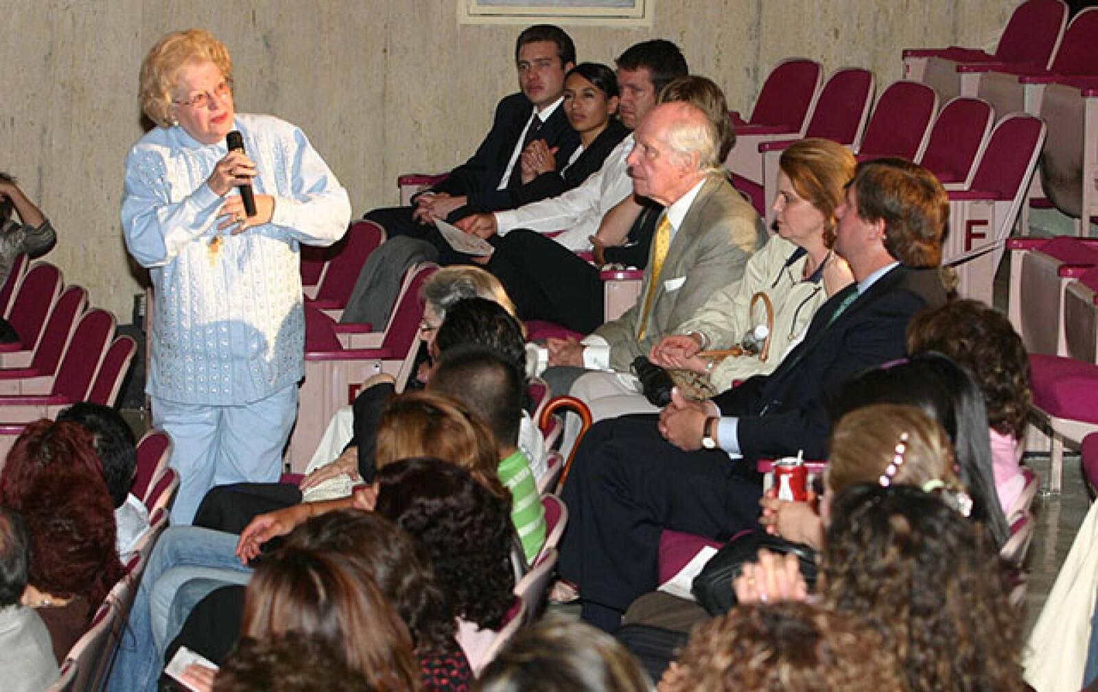 En 2006 durante una función de prensa de la obra Identidad Propia.