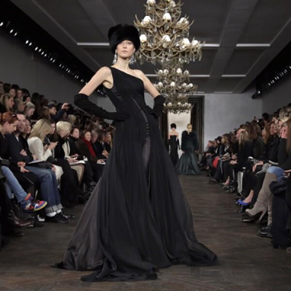 Los colores oscuros acapararon las pasarelas en el Lincoln Center. La colección de Ralph Lauren se presentó este 14 de febrero.