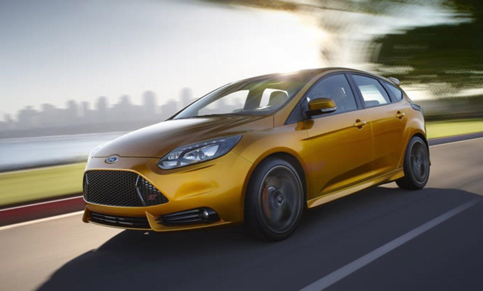 Los últimos cuatro finalistas en la lista, tras conjuntar los votos del jurado participante, fueron Nissan March, Suzuki Swift, Ford Focus y Audi A7.