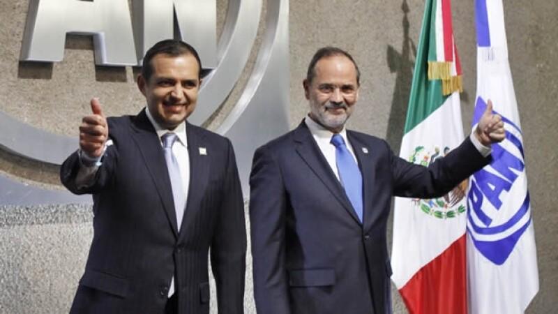 Ernesto Cordero y Gustavo Madero previo a un debate para la presidencia del PAN, en abril de 2014