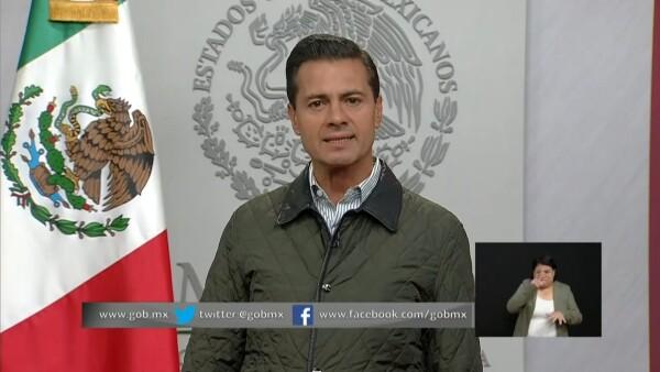 Enrique Peña Nieto agradece a rescatistas y anuncia apoyo para damnificados