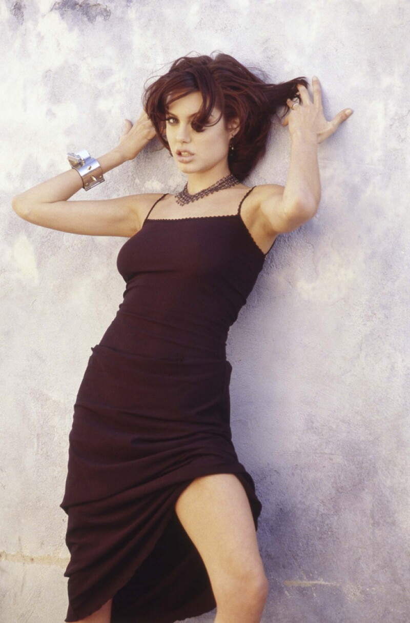 Se descubre una insinuante sesión fotográfica que la actriz hizo para la película `Hackers´, una de sus primeras actuaciones para el cine, en 1995.