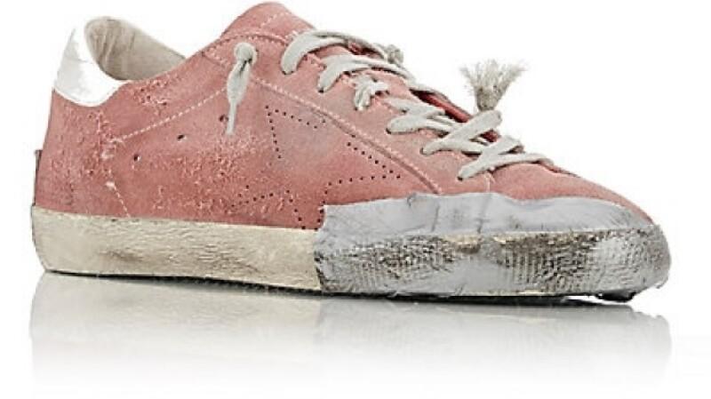 Más te vale guardar ese par viejo y sucio de sneakers que tienes en tu clóset...