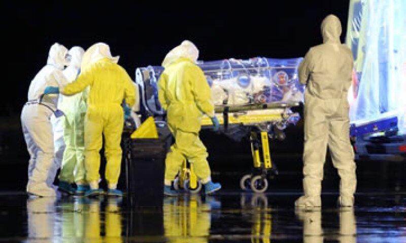 El FMI había advertido que la epidemia podría hacer caer entre 3 y 3.5% el crecimiento económico de los tres países. (Foto: Reuters)