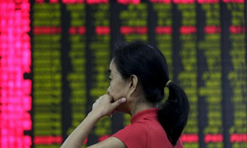 El índice compuesto de Shanghái retrocedió 2.5%, a 3,080.42 unidades. (Foto: Reuters )