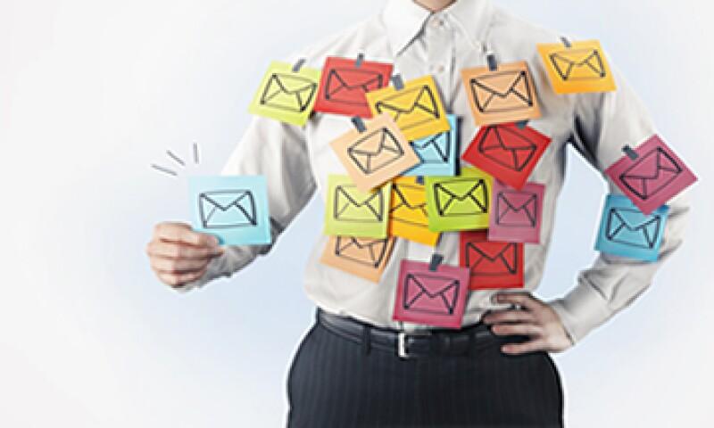 El 87% de los cibernautas se dedica a contestar correos como principal actividad en línea, según la Asociación Mexicana de Internet. (Foto: Getty Images)