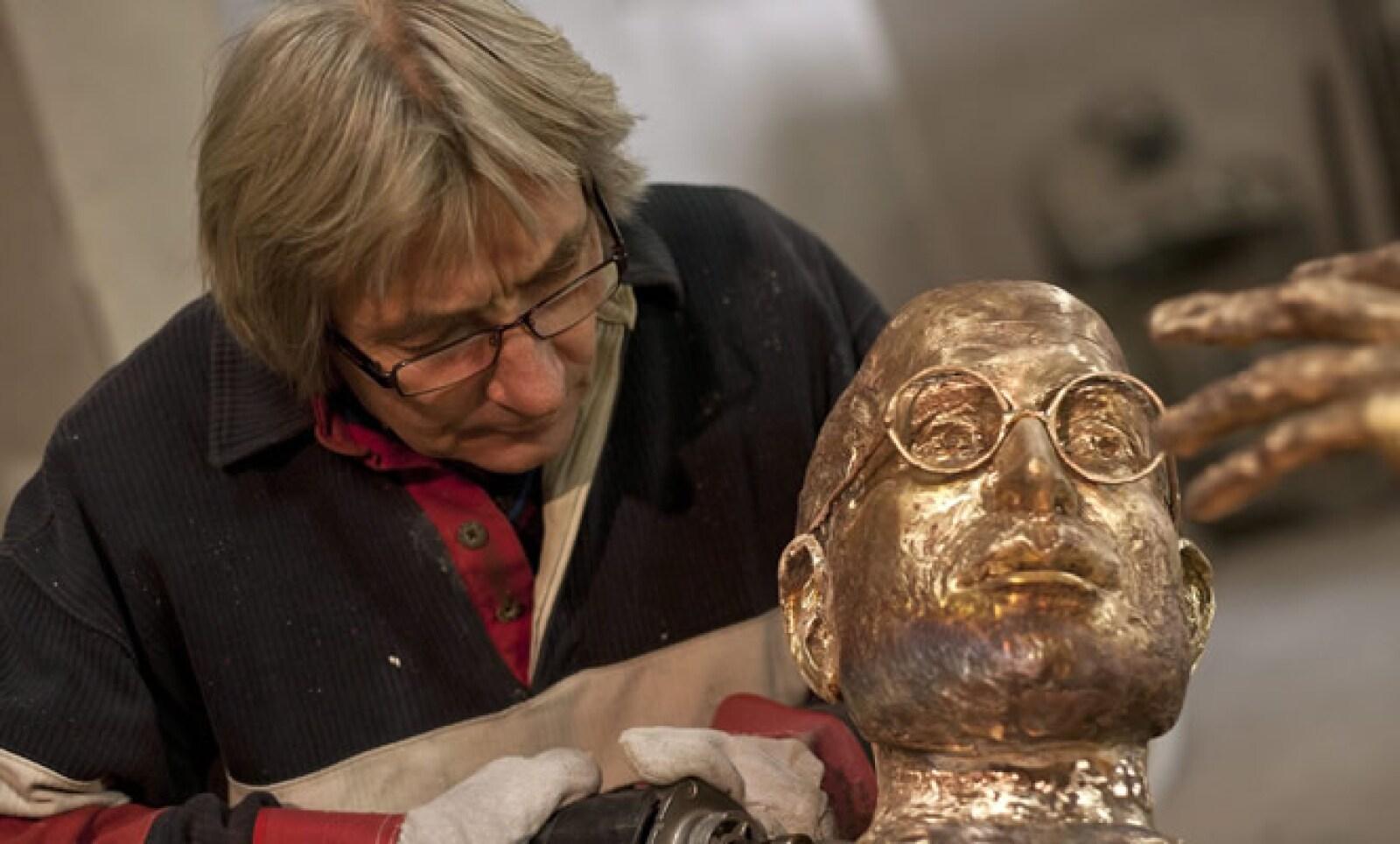 Toth trabajó en esta pieza de bronce por poco más de cuatro semanas.