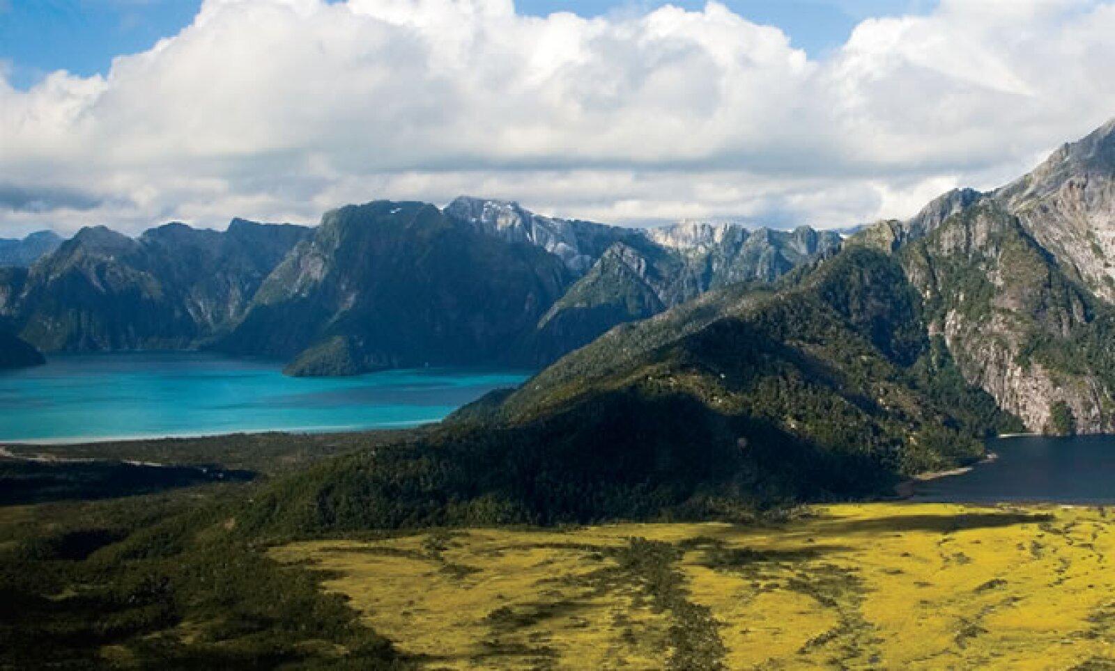 En forma de jacuzzi individual, las termas de Cahuelmó, fueron cavados en roca por los nativos que hace cientos de años habitaban esta parte de la Patagonia.