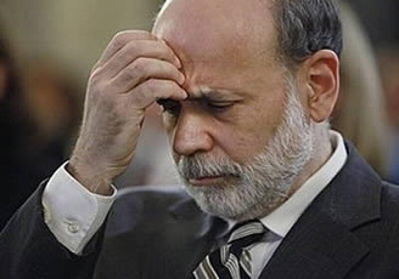 Ben Bernanke, presidente de la Fed, tendrá la oposición del legislador Ron Paulson y la Cámara de Representantes en materia de políticas monetarias. (Foto: AP)