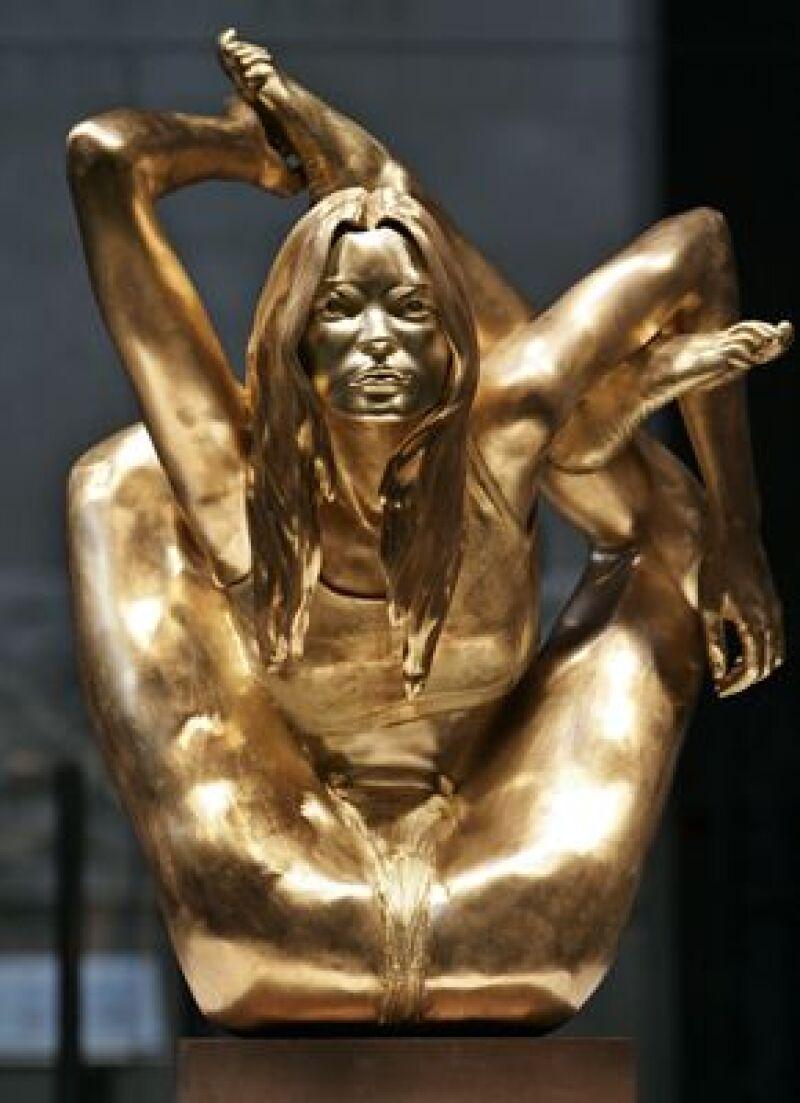 """La pieza de oro macizo titulada """"Siren"""" es parte de la colección """"Statuephilia"""" del Museo Británico."""