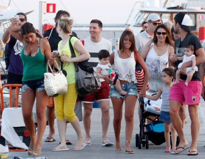Messi y su familia durante unas vacaciones en Ibiza.