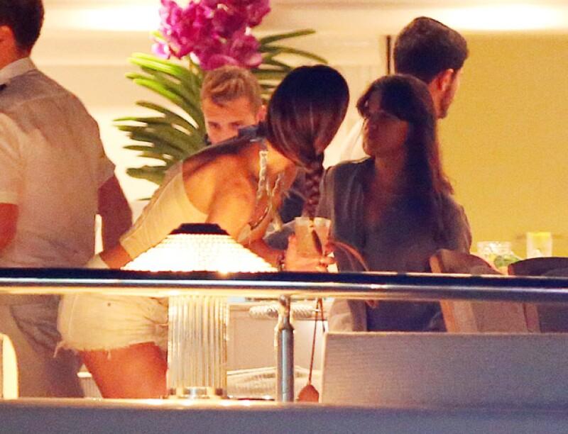 La actriz de Fast & Furious fue captada a bordo de un lujoso yate en el que se le captó besándose con una mujer desconocida.