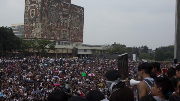 UNAM_Fuero_Porros-2.jpg