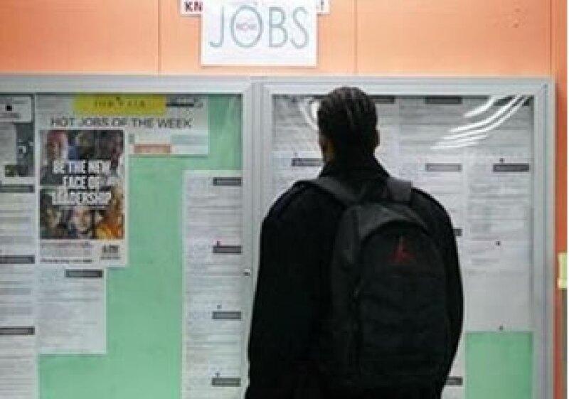 El aumento en las contrataciones del sector privado alivia las presiones sobre más estímulos. (Foto: Reuters)