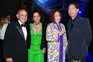 Don Clemente y María Luisa Serna con Soumaya Sllim y Fernando Romero.