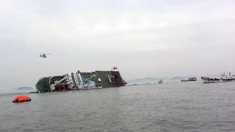 El barco que naufragó en las costas de Corea del Sur