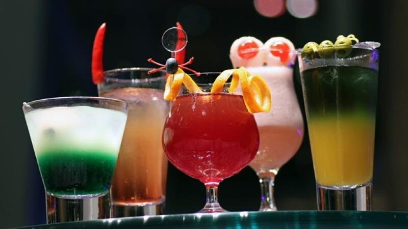 alcohol, refresco, refresco de dieta, absorcion, limite legal, higado, cerebro, calorias