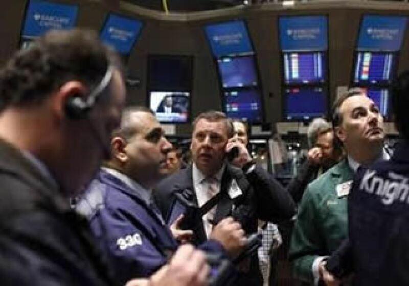 Los mercados a nivel mundial resintieron las manifestaciones en Egipto. (Foto: Reuters)