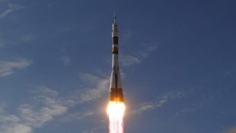 La nave espacial Soyuz despega