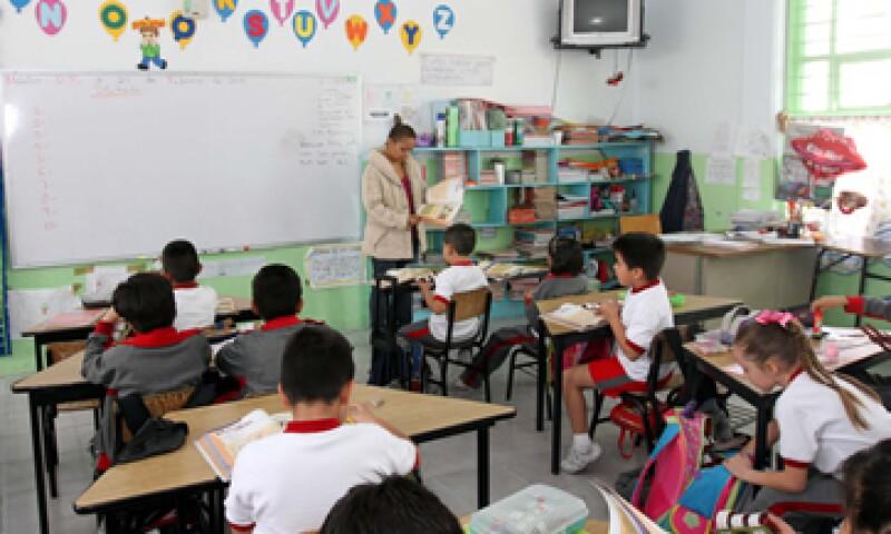 La CFE aportará 600 mdp para electrificar a los centros educativos. (Foto: Notimex)