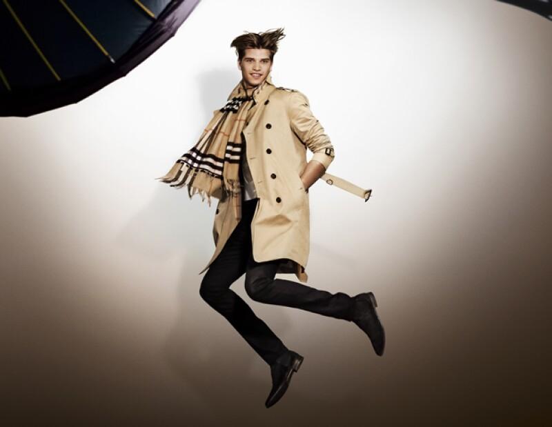 El modelo Toby Huntington-Whiteley es el hermano de Rosie.