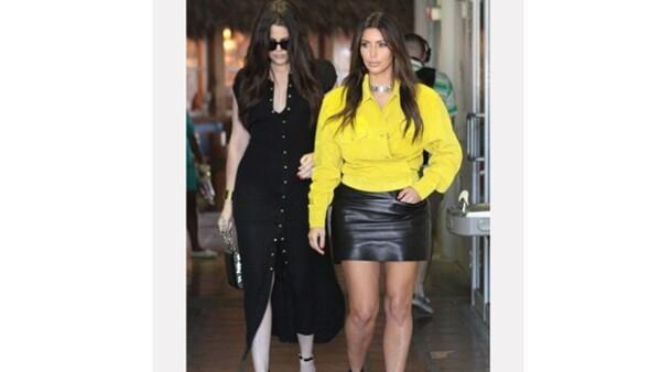 La novia de Kanye West asistió a una cena usando un top cortísimo y una falda que, sin intención, era transparente, y reconoce en Pinterest sus faux pas.