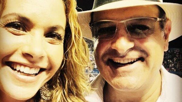 Muy guapos y felices aparecieron en el Abierto de Tenis en Acapulco, donde los captamos tomándose selfies.