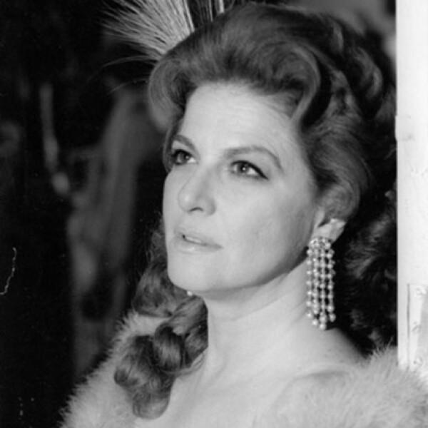 Participó en las telenovelas Mundos opuestos (1976), El maleficio (1983), Juana Iris (1985), Cuna de lobos (1986), Te sigo amando (1996), Amigos x siempre (2000) y Aventuras en el tiempo (2001), entre otras.