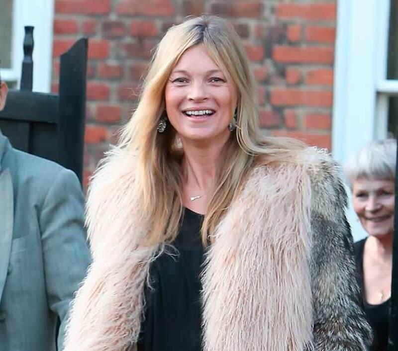 Después de anunciar el final de su matrimonio, Kate Moss se consuela con un talentoso fotógrafo mucho menor que ella. ¡Entérate!