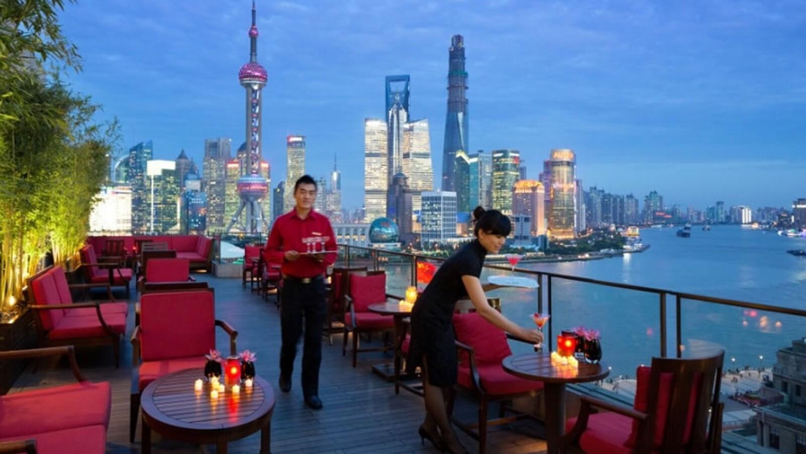 Sir Elly's Terrace, The Peninsula Shanghái