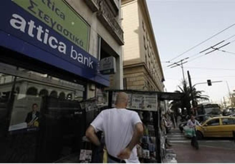Los periódicos en Atenas hablan principalmente de la crisis griega. (Foto: Reuters)