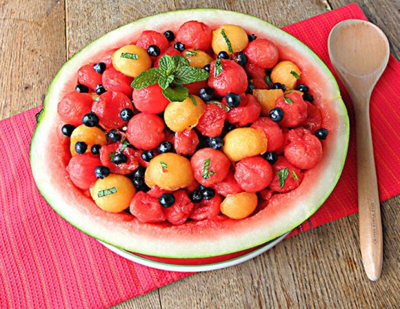 El melón y la sandía son ideales para levantar tu stamina pues están hechos 90% por agua.