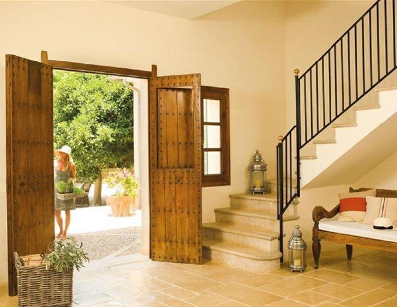 La puerta principal debe marcar la división entre la calle y la tranqulidad de tu casa.