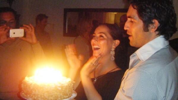 La conductora celebró ayer su aniversario 32 en una renunión que le organizó su esposo Eamonn y donde estuvieron sus seres queridos.