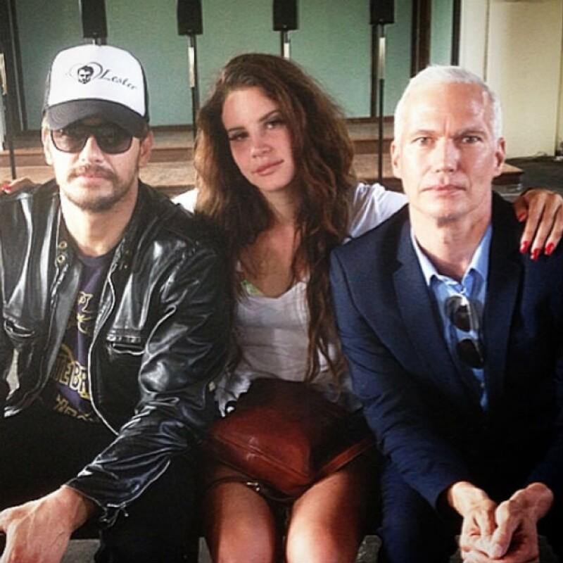 """James y Lana también asistieron juntos al tour de arte """"Runaways""""."""