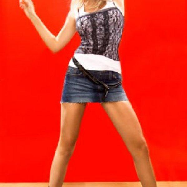 Fanny Lu se inició en el mundo del espectáculo colombiano participando como presentadora de un magazine musical llamado Siempre música.