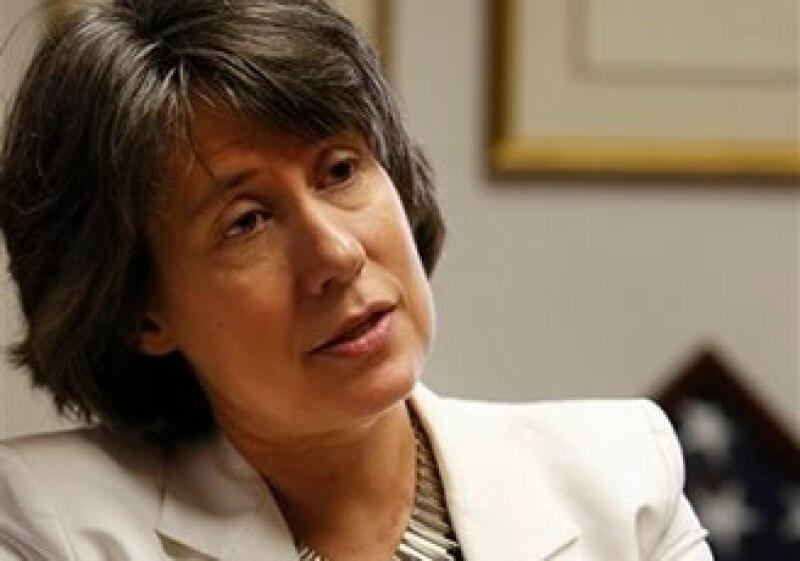 La agencia federal encabezada por Sheila Bair busca atraer inversionistas que operen los bancos de forma prudente. (Foto: AP)