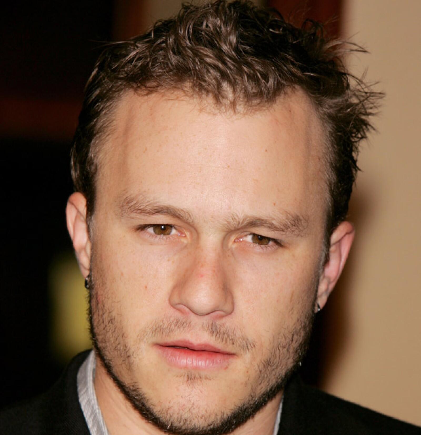 Heath Ledger y Joseph Gordon-Levitt tienen labios, nariz y cejas casi idénticas.