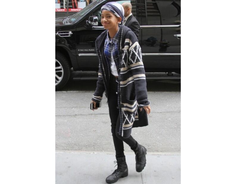 Aunque algunas personas creen que sólo sirve para crear un look informal, la mezclilla es un básico en el clóset de toda mujer moderna porque combina con todo. Aquí unos tips.