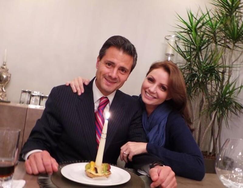 La Primera Dama compartió esta imagen a lado de su esposo el día de su cumpleaños.